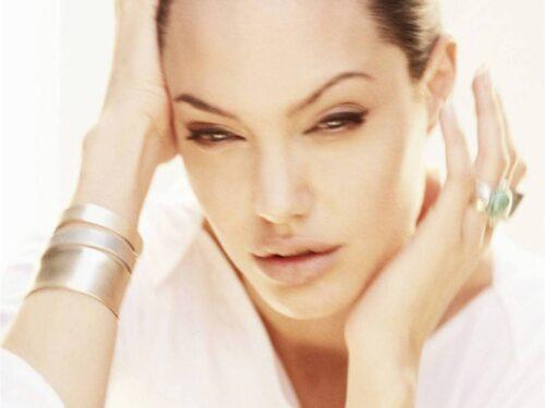 Angelina Jolie – Wallpaper