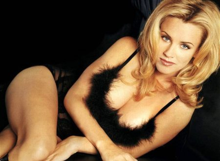 Jenny McCarthy – Wallpaper