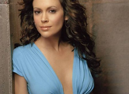 Alyssa Milano – Wallpaper
