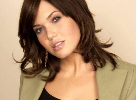 Mandy Moore – Wallpaper