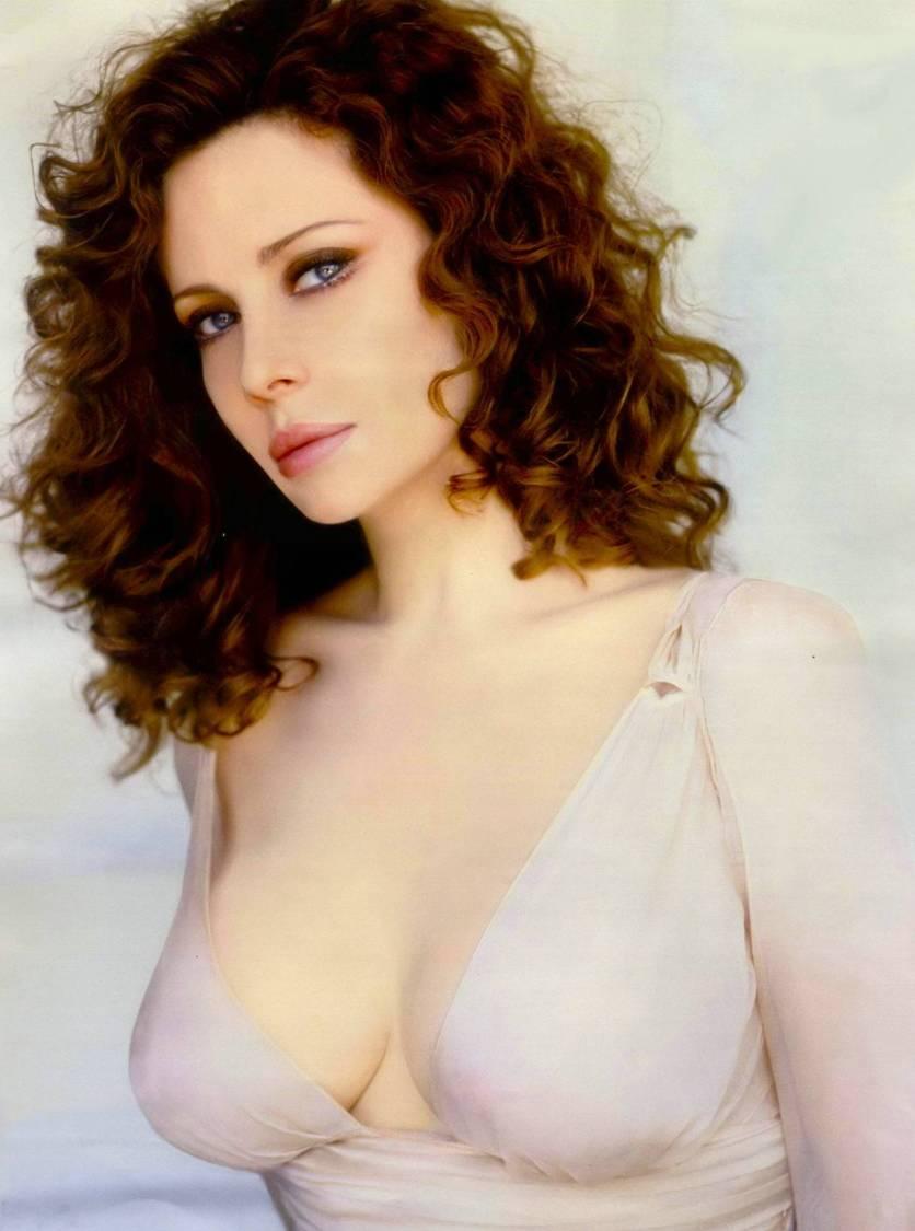 cv-celebrity-photo-collection-95